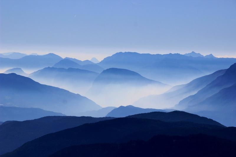 mountains-863474_1920